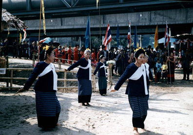 Traditional dances are performed on the riverfront as a part of the Loei kratong celebration
